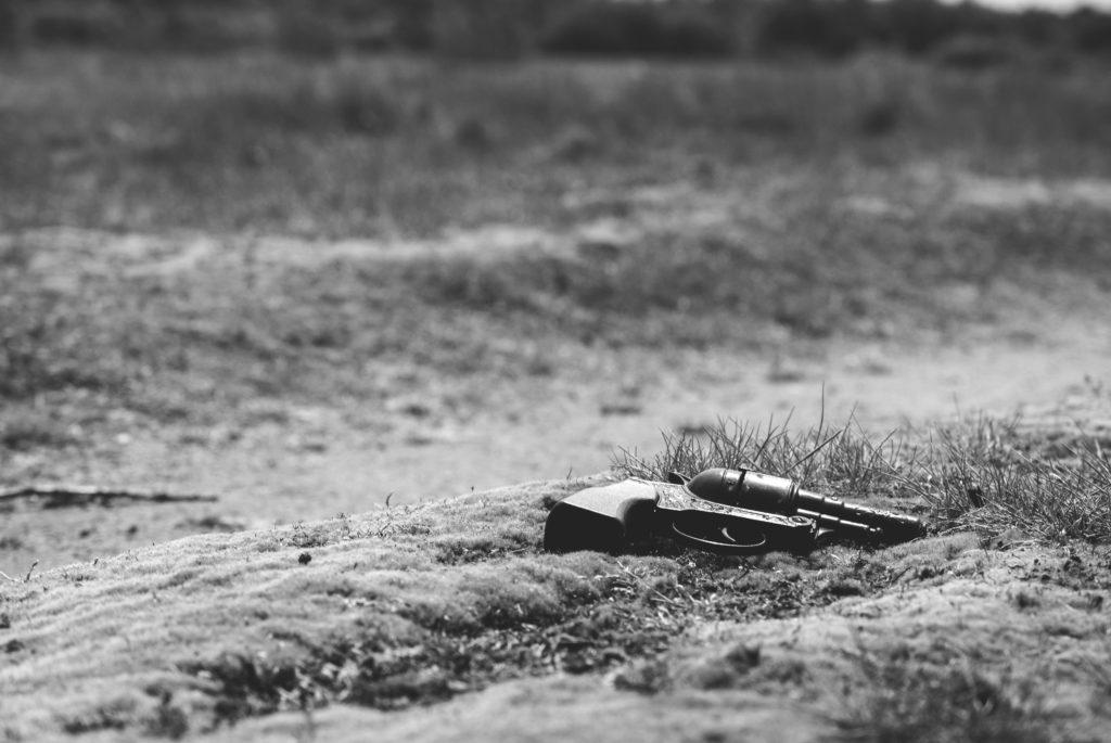 Pistola nella sabbia